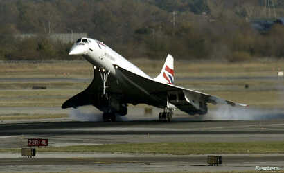 A British Airways Concorde supersonic jet makes it's final landing at New York's John F. Kennedy International Airport as it arrives from London's Heathrow Airport, Nov. 10, 2003.