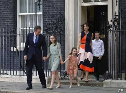 Britain's Prime Minister David Cameron, his wife Samantha and their children Nancy, Florence and Elwen, from left, leave 10 Downing Street, in London, July 13, 2016.