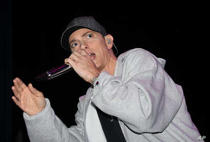 Eminem performs at the Sound Board theater located inside the MotorCity Casino, Hotel in Detroit, May 19, 2009.