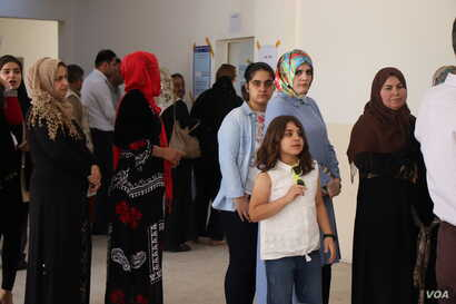 Early results showed low voter turnout, reflecting disillusionment with a series of governments after decades of corruption, wars and economic crises on May 12, 2018 in Irbil, Kurdistan Region, Iraq. (H.Murdock/VOA)