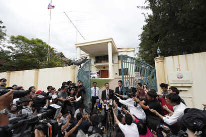 Ri Tong Il, former U.N. North Korean deputy ambassador, speaks to journalist outside the North Korean embassy in Kuala Lumpur, Malaysia, March 2, 2017.  The envoy said a heart attack likely killed Kim Jong Nam, not VX nerve agent.