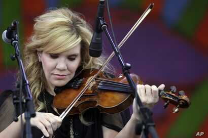 Alison Krauss & Union Station perform at the New Orleans Jazz and Heritage Festival in New Orleans, April 30, 2015.