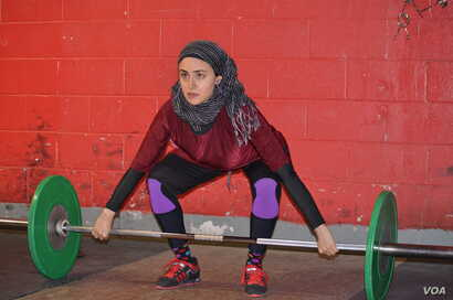 Kulsoom Abdullah, 38, who comes from a very conservative area of Pakistan, became interested in recreational weightlifting in her early 20s.