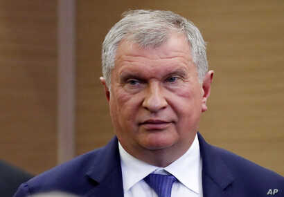 CEO of Russian oil company Rosneft Igor Sechin arrives to attend a signing ceremony after Russian President Vladimir Putin met with Indonesian President Joko Widodo in Sochi, Russia, May 18, 2016.