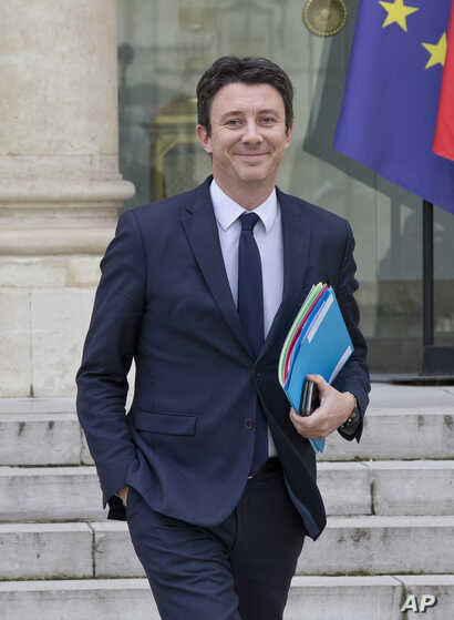 French Government's Spokesperson Benjamin Griveaux leaves the weekly cabinet at the Elysee Palace in Paris, March 20, 2019.