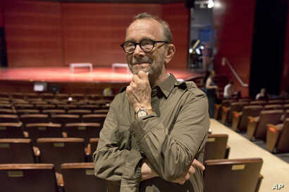 """Joel Grey, director of the National Yiddish Theatre Folksbiene production of a Yiddish-language version of """"Fiddler on the Roof,"""" is interviewed at the Museum of Jewish Heritage, in New York, June 19, 2018."""
