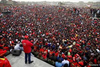 Kenya's President Uhuru Kenyatta speaks to the crowd during a Jubilee Party election rally in Nairobi, Kenya, July 21, 2017.