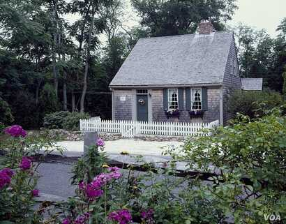 A Cape Cod-style home, a simple, rectangular structure, in Cape Cod, Massachusetts. (Photo by Carol Highsmith)