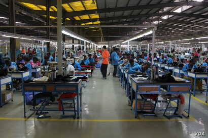 Workers construct shoes at the George Shoe Factory, located in the industrial zone of Addis Ababa, Ethiopia. (VOA)
