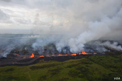 Lava fountains from Fissure 20 in KÄ«lauea Volcano's lower East Rift Zone in Hawaii, May 19, 2018.