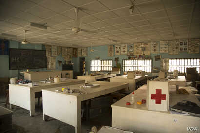 This laboratory science classroom in a high school in Maiduguri, Nigeria, has not been used for more than two years. Oct. 5,  2016. (C. Oduah/VOA)