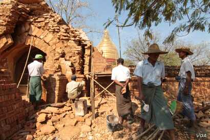 Rebuilding and restoration work continues in the wake of  an earthquake last autumn that damaged some of the monuments in Bagan. (Photo: John Owens for VOA)