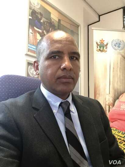 """Sirak Gebrehiwot, U.N. spokesman in Zimbabwe, says the cholera situation in the southern African nation is now """"very dire"""" and that U.N. agencies have moved in to try to stabilize the situation. (C. Mavhunga/VOA)"""
