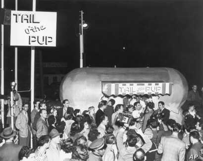 FILE - The Tail O' The Pup hot dog stand is seen during its premiere in Los Angeles, June 27, 1946.