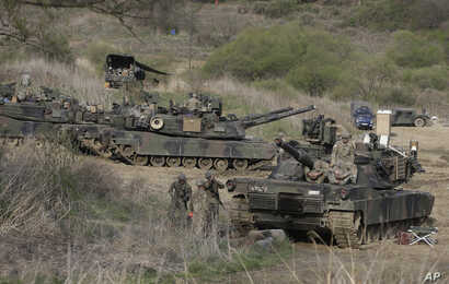 U.S. Army M1A2 tanks conduct a military exercise in Paju, near the border with North Korea, South Korea, April 21, 2017.