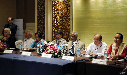 Myanmar Rohingya: Former U.N. Secretary-General and Rakhine State Advisory Commission Chairman Kofi Annan, third right, and the commission members listen to journalists giving them questions during a press briefing at a hotel Thursday, Sept. 8, 2016,...