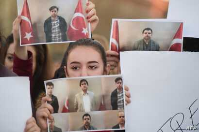 In an operation carried out between Turkey's National Intelligence Organisation (MIT) and Kosovo's spy services, six high-ranking members of U.S.-based Muslim cleric Fethullah Gulen's movement were brought back home on a private plane, Anadolu news a...