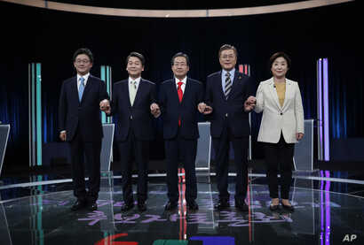 South Korean presidential election candidates (from left) Yoo Seung-min of the Bareun Party, Ahn Cheol-soo of the People's Party, Hong Joon-pyo of the Liberty Korea Party, Moon Jae-in of the Democratic Party of Korea and Sim Sang-jung of the Justice