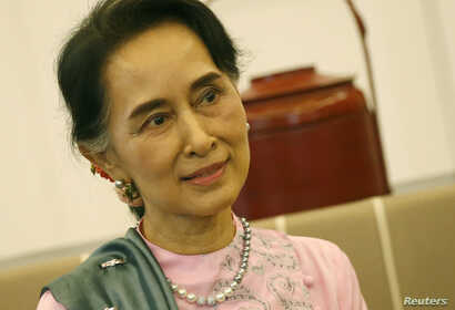 Myanmar Foreign Minister and State Counselor Aung San Suu Kyi is pictuired in a Bangkok airport in June 2016. (Reuters)