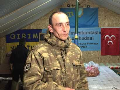 Haydarma, a Tatar, says he is ready to give his life to drive Russian forces out of Crimea. (L. Ramirez/VOA)