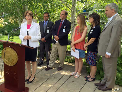 U.S. Sen. Amy Klobuchar speaks about price hikes for EpiPens, the emergency drug injectors for severe allergic reactions, at Children's Hospital, Aug. 24, 2016, in Minneapolis.