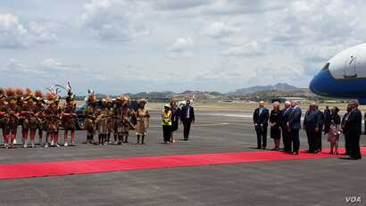 U.S. Vice President is welcomes to Papua New Guinea, Nov. 17, 2018, where he is attending the Asia Pacific Economic Co-operation (APEC) summit.