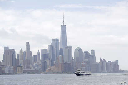 A view of the New York skyline as seen from New Jersey, two states that send more money to the federal government than they get back.