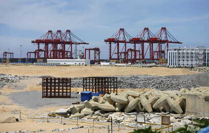 "The China-funded ""Colombo Port City"" project, whose development had been suspended, is seen in Colombo, Oct, 19, 2015."