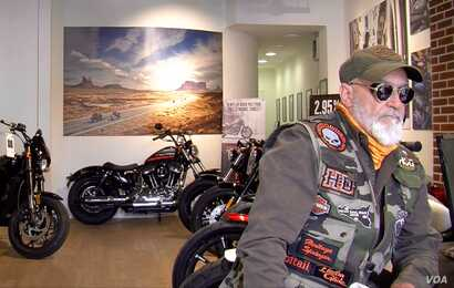 For French Harley owners, the motorcycle is about freedom — and America. (L. Bryant/VOA)