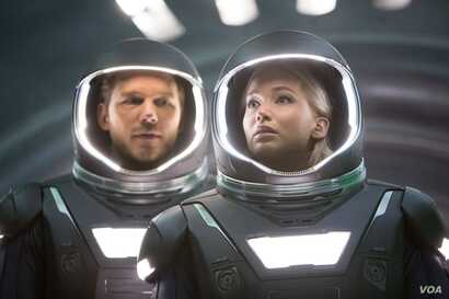 """Jennifer Lawrence and Chris Pratt in a scene from """"Passengers"""" (Photo courtesy Sony Pictures)"""