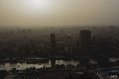 For millennia, the Nile has been the heart of Egypt's culture and economy. Now, Egyptians fear the Renaissance Dam could bring an environmental disaster. Cairo, Egypt. Feb. 26, 2018. (H. Elrasam/VOA)