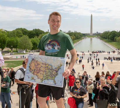At the Lincoln Memorial, Mikah Meyer added the final marking to the map of his incredible journey. (M.Meyer)