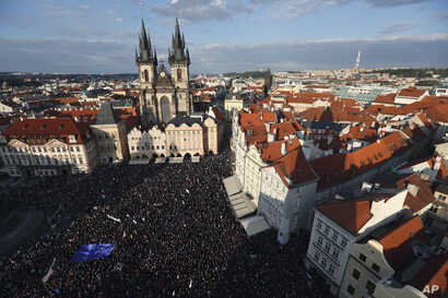 Protesters gather at the Old Town Square in Prague, Czech Republic, May 6, 2019. Thousands of Czechs rallied in growing protests to demand the resignation of the new justice minister.
