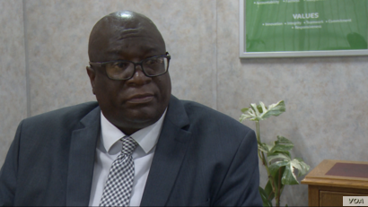 Eddington Mazambani, the head of the Zimbabwe Energy Regulatory Authority, says his organization is only allowing fuel companies that have directly imported fuel on their own to trade in U.S. dollars, in Harare, May 31, 2019.