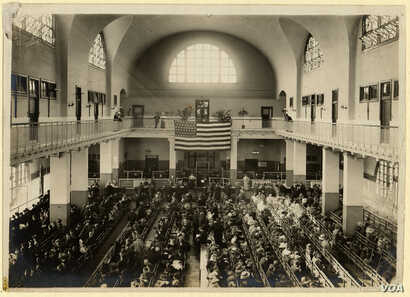 The Great Hall at Ellis Island, circa 1912, where immigrants underwent medical and legal examinations before immigration officers. (NPS/Statue of Liberty NM)