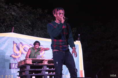The hip-hop festival showcased the rap and musical talents in Ghana, with performances as well as open-mic sessions. (S.Knott/VOA)