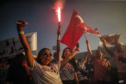 Supporters of Ekrem Imamoglu, the new Mayor of Istanbul from Turkey's main opposition opposition Republican People's Party (CHP…