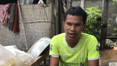 Chim Sokun, emigrated ten years ago from Trach Village, giving up his farmed land, to look for jobs at a garment factory in Kandal Province. (Aun Chhengpor/VOA Khmer)
