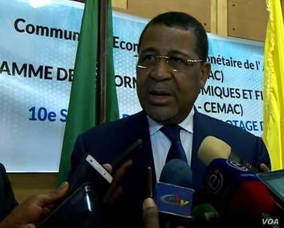 Daniel Ona Ondo, president of the CEMAC commission, talks with the media in Douala, Dec. 26, 2019. (Moki Edwin Kindzeka/VOA)