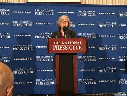 Dr. Anne Schuchat, Principal Deputy Director of the Centers for Disease Control and Prevention, speaks at the National Press Club in Washington, Feb. 11, 2020. (Eunjung Cho/VOA Mandarin Service)