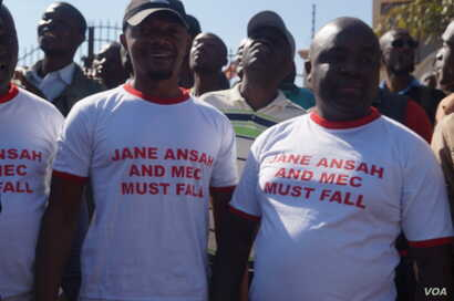 Protesters rally against Jane Ansah in a street march in Malawi's capital, Lilongwe. (Lameck Masina/VOA)