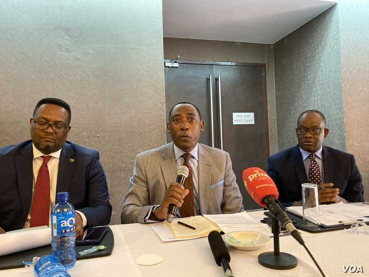 Oliver Chinganya the director of the African Statistics Center at the U.N.'s Economic Commission for Africa, speaking to reporters in Lusaka, Oct. 15, 2019. (C. Mavhunga/VOA)