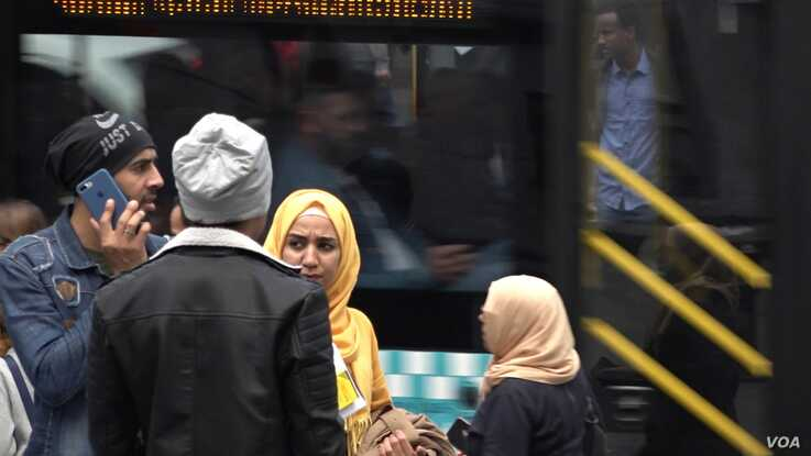 Syrian refugees are seen in a commercial district in Istanbul. President Recep Tayyip Erdogan is facing growing domestic pressure over the presence in Turkey of over three and half million Syrian refugees. (Dorian Jones/VOA)