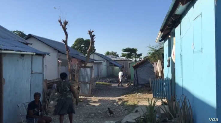 Homes are seen in the Taba Isa earthquake survivor camp in Port au Prince, Haiti. (Renan Toussaint/VOA Creole)