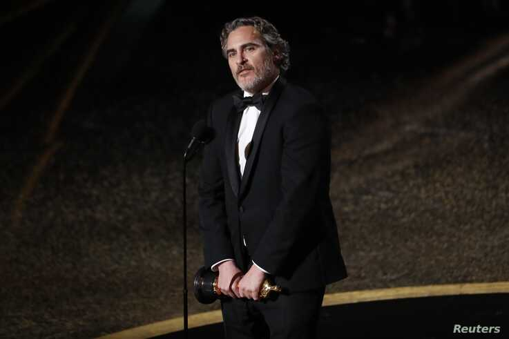 """Joaquin Phoenix wins the Oscar for Best Actor in """"Joker"""" at the 92nd Academy Awards in Los Angeles, Calif., Feb. 9, 2020."""