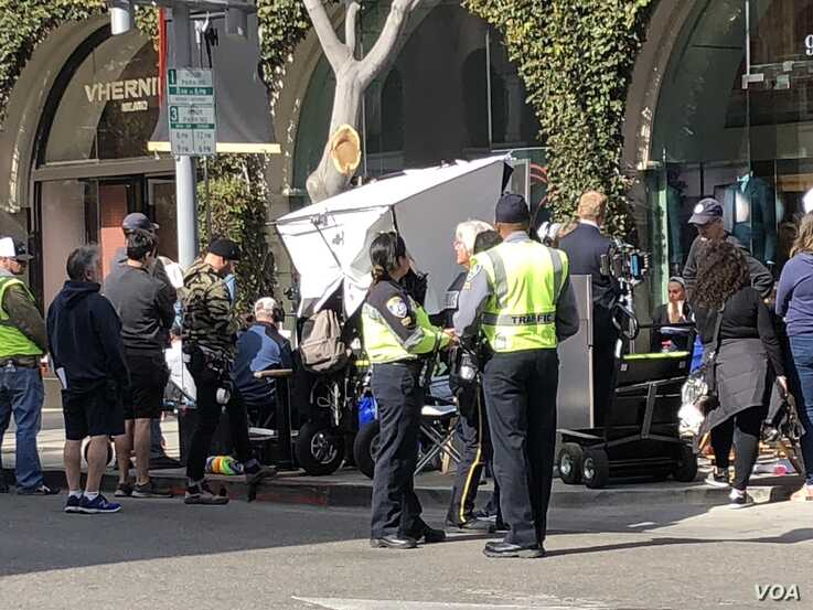 A Hollywood filming in Beverly Hills before California issued the order for people to stay at home. It was a common sight in Los Angeles but not any more due to the pandemic. (Elizabeth Lee/VOA)