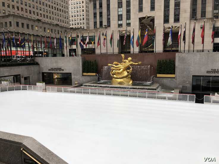 Rockefeller Center's ice skating rink is one of many city attractions that has closed due to the coronavirus. (Margaret Besheer/VOA)