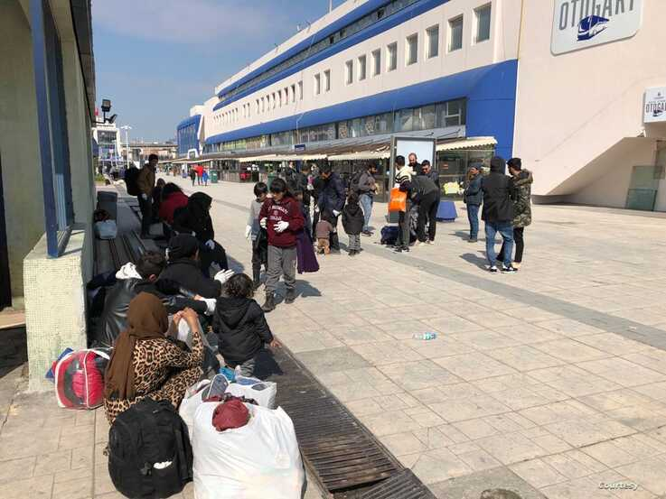 Pic1323: Refugees arrive at the Istanbul bus station after failing to cross the border into Greece on March 20, 2020. (Courtesy of aid workers)