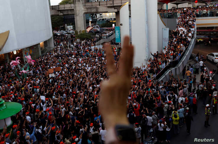 Supporters react at a sudden unauthorised rally by the progressive Future Forward Party in Bangkok, Thailand December 14, 2019…