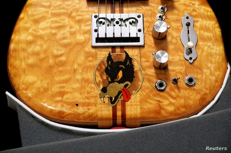 """Late Grateful Dead front man Jerry Garcia's custom-made """"Wolf"""" Guitar, displayed here by Guernsey's Auctions, which plans to…"""